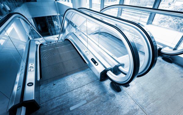 Fahrtreppen & Aufzüge